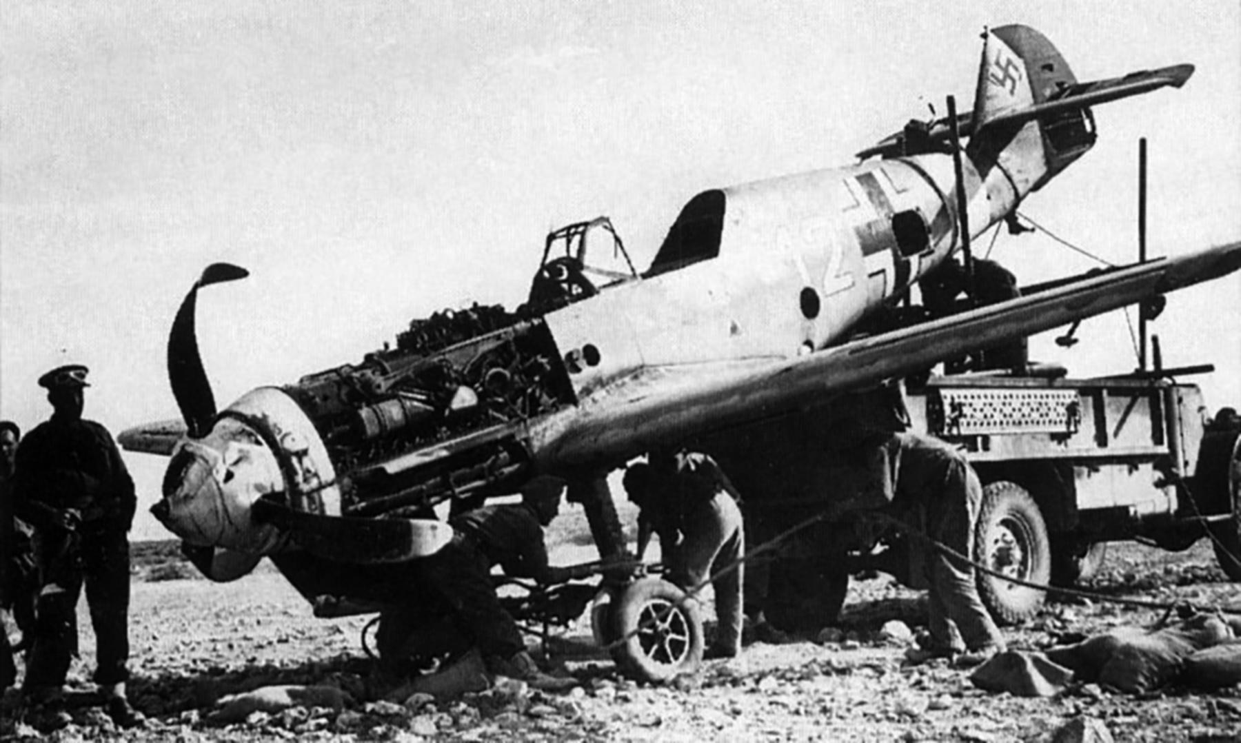 Messerschmitt Bf 109F4Trop 4.JG27 White 12 WNr 8438 El Gazala Dec 1941 04