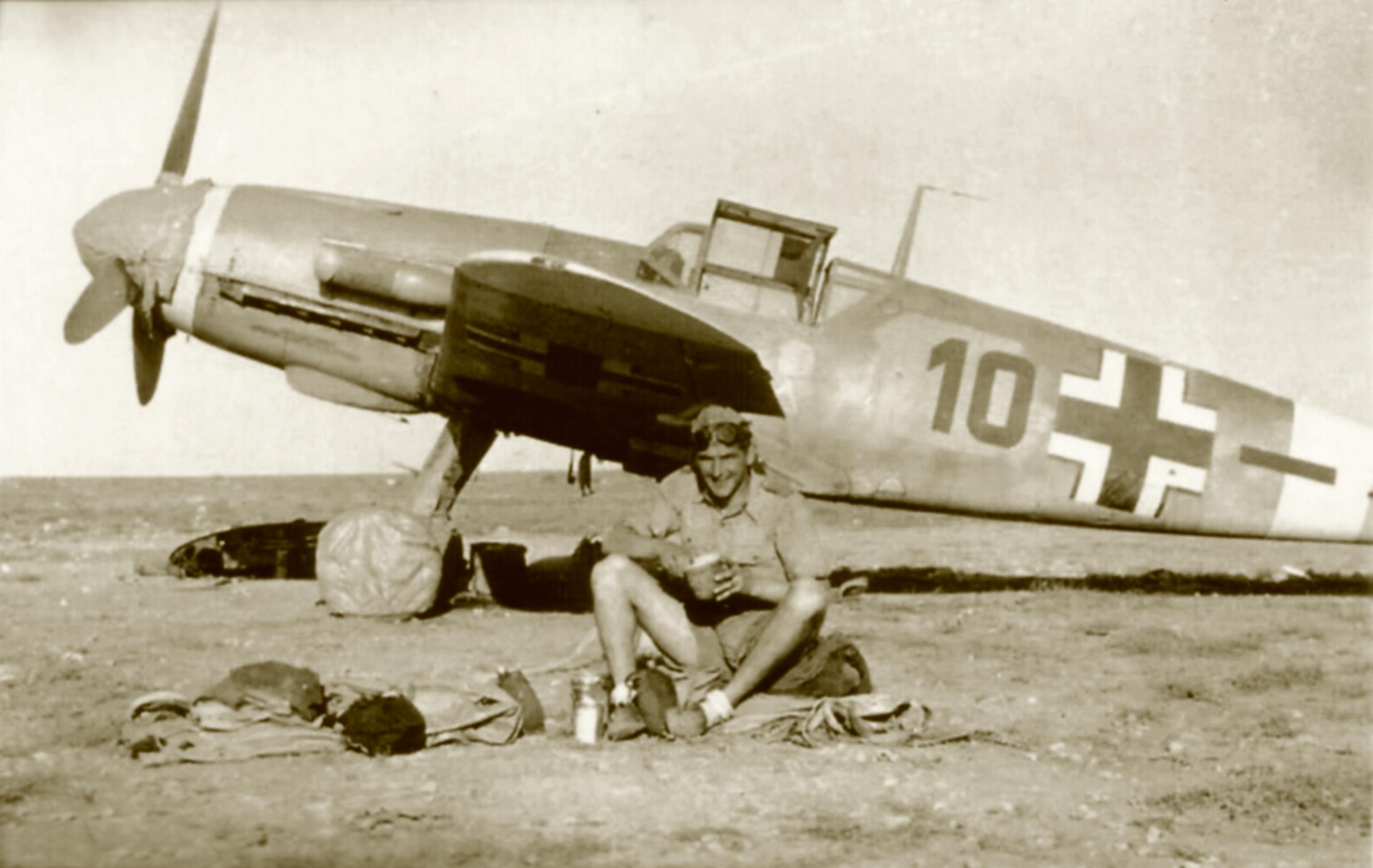 Messerschmitt Bf 109F4Trop 5.JG27 Black 10 North Africa 1942 02