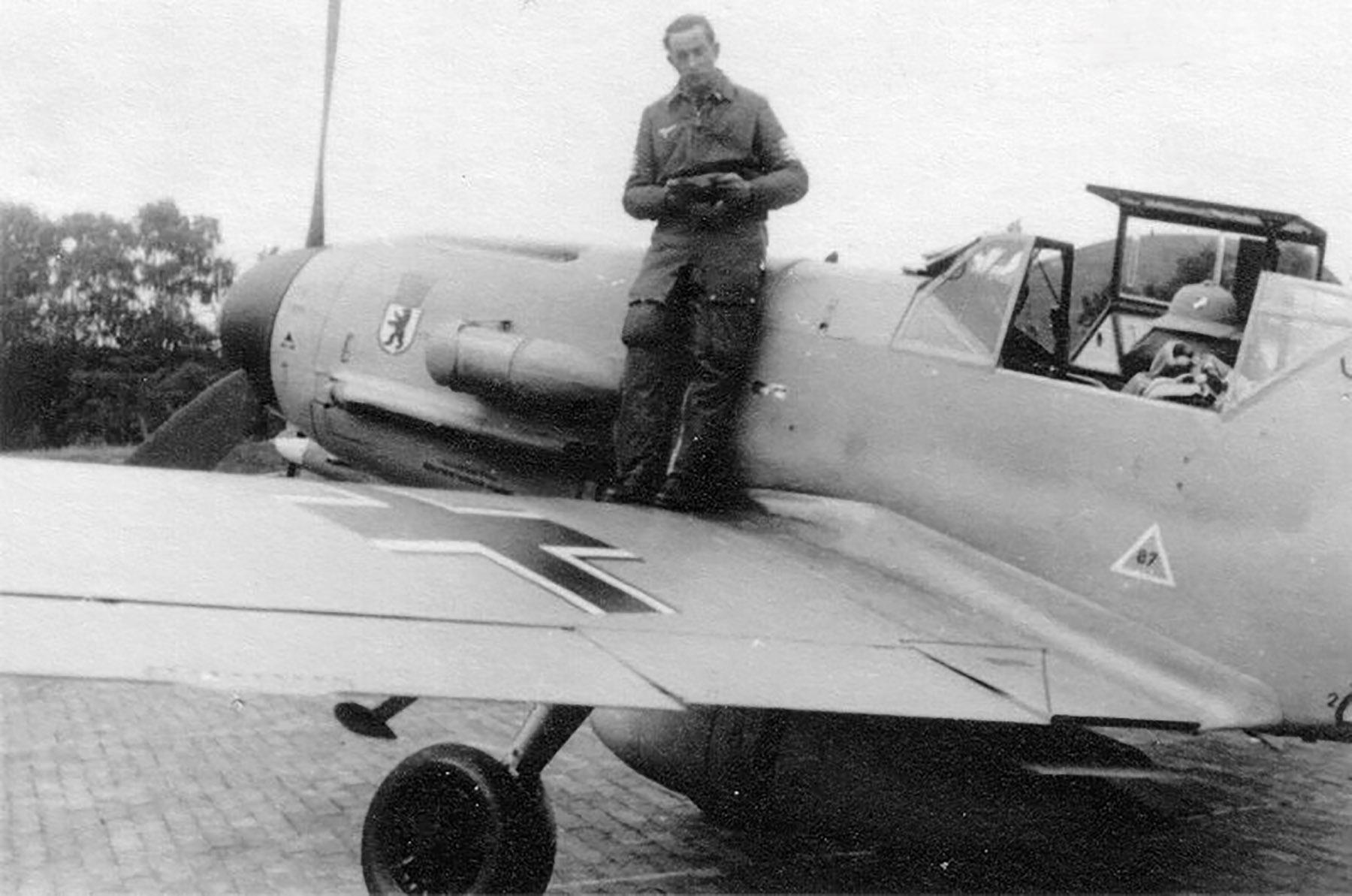 Messerschmitt Bf 109F4Trop 5.JG27 Erich Krenzke North Africa 1941 01