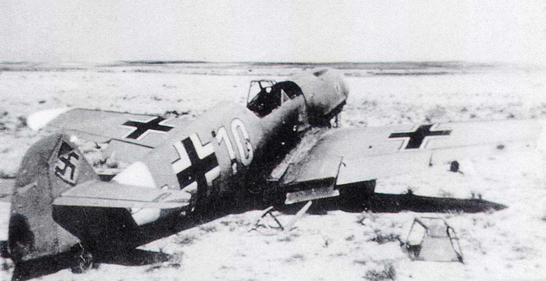 Messerschmitt Bf 109F4Trop 6.JG27 Yellow 10 abandoned North Africa 1942 01