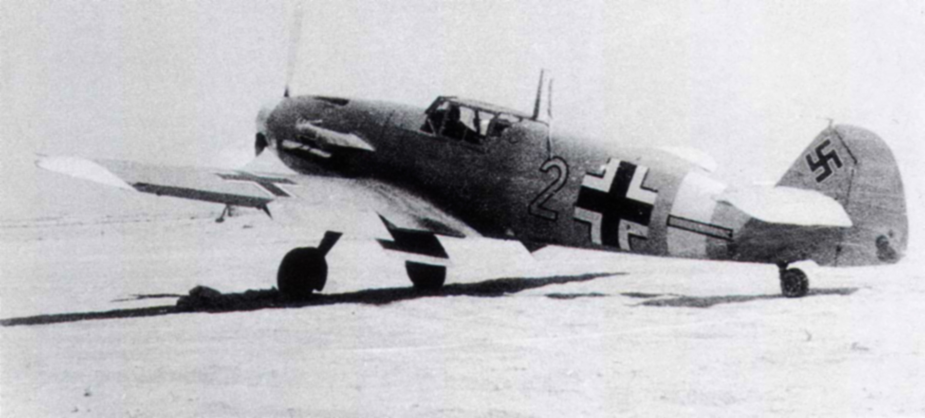 Messerschmitt Bf 109F4Trop 6.JG27 Yellow 2 North Africa August 1942 01