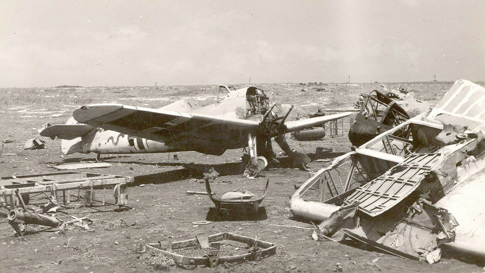 Messerschmitt Bf 109F4Trop 8.JG27 Black 4 abandoned airframe Derna Nov 1942 ebay1