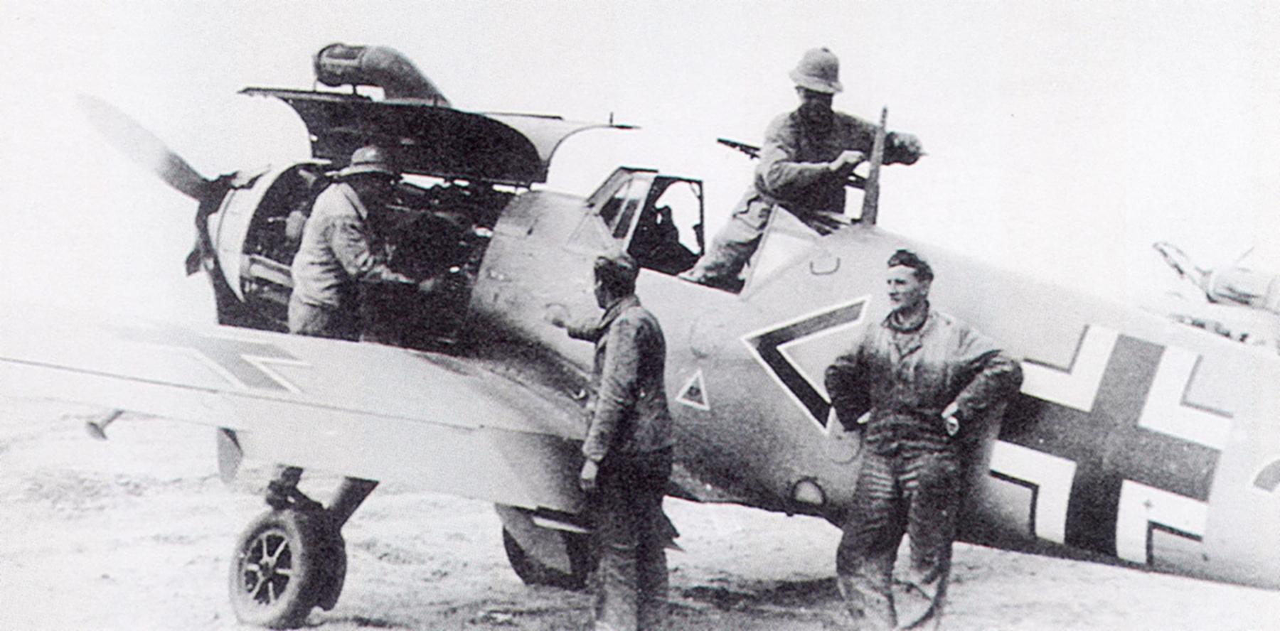 Messerschmitt Bf 109F4Trop Stab III.JG27 North Africa Feb 1942 01