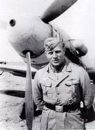 Asisbiz Aircrew Luftwaffe JG27 ace Otto Schulz North Africa 1942 01