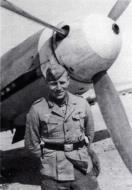 Asisbiz Aircrew Luftwaffe JG27 ace Otto Schulz North Africa 1942 02
