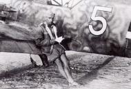 Asisbiz Messerschmitt Bf 109E4Trop 1.JG27 White 5 Albert Espenlaub North Africa Nov 25 1941 01
