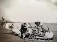 Asisbiz Messerschmitt Bf 109F4Trop 1.JG27 White 5 Albert Espenlaub crash landed El Adem Dec 1941 06