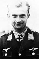 Asisbiz Aircrew Luftwaffe ace Erich Schmidt III.JG53 01