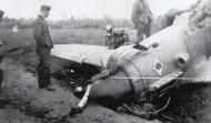Asisbiz Messerschmitt Bf 109F4 JG53 damaged at Mannheim Sandhofen 1941 01