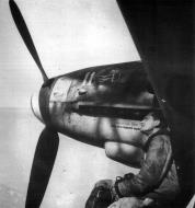Asisbiz Messerschmitt Bf 109G10 1Gr6Sqn White 11 4Sqn Badge Italy 1944 01