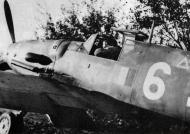Asisbiz Messerschmitt Bf 109G6 ANR 2Gr White 6 Lonate Pozzolo Italy Nov 1944 01