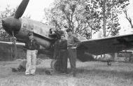 Asisbiz Messerschmitt Bf 109G6 ANR 2Gr2Sqn Yellow 8 Stkz BQ+LE WNr 160614 Italy Oct 1944 01