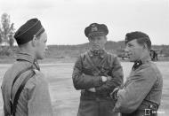 Asisbiz Aircrew FAF LeLv34 Major Larjo and Major Luukkanen at Immolan 15th Jun 1944 02