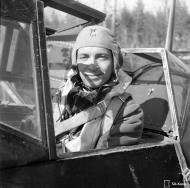 Asisbiz Messerschmitt Bf 109G2 FAF 2.HLeLv24 Jorma Saarinen at Suulajarvi Finland 12th May 1944 02
