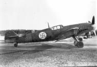 Asisbiz Messerschmitt Bf 109G2 FAF 2.HLeLv34 MT207 WNr 14741 Finland 1943 01