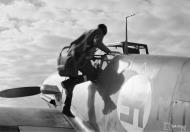 Asisbiz Messerschmitt Bf 109G2 FAF 2.HLeLv34 MT207 WNr 14781 Utin 24th Apr 1943 02