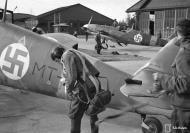 Asisbiz Messerschmitt Bf 109G2 FAF 2.HLeLv34 MT207 WNr 14781 with MT203 foreground Utin 24th Apr 1943 01