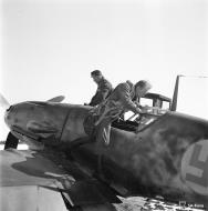 Asisbiz Messerschmitt Bf 109G2 FAF 3.HLeLv24 MT240 Lt Huotari at Suulajarvi Finland 12th May 1944 01