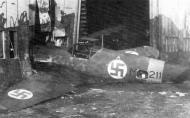 Asisbiz Messerschmitt Bf 109G2 FAF HLeLv MT211 ground collision Finland 1943 01