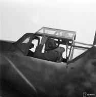 Asisbiz Messerschmitt Bf 109G2 FAF HLeLv24 Lt Huotari at Suulajarvi Finland 12th May 1944 03