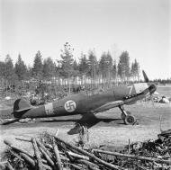 Asisbiz Messerschmitt Bf 109G2 FAF HLeLv24 MT227 WNr 13716 at Suulajarvi Finland 8th May 1944 01