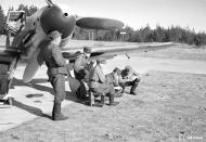 Asisbiz Messerschmitt Bf 109G2 FAF HLeLv34 MT2xx Utin 24th Apr 1943 04