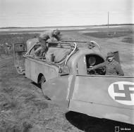Asisbiz Messerschmitt Bf 109G2 FAF HLelv34 MT20x being refueled at Suulajarvi 10th May 1944 01