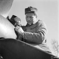 Asisbiz Messerschmitt Bf 109G2 undergoing routine maintenance at Suulajarvi 10th May 1944 03