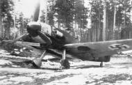 Asisbiz Messerschmitt Bf 109G2Trop FAF HLeLv34 MT225 Lahtela Finland 1943 04