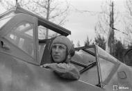 Asisbiz Messerschmitt Bf 109G6 FAF 3.HLeLv34 MT417 Eino Luukkanen Stkz RX+CY WNr 411902 Immolan 15th Jun 1944 02