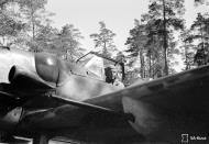 Asisbiz Messerschmitt Bf 109G6R6 FAF HLeLv34 MT461 Kyosti Karhila Lappeenranta Finland July 1944 01