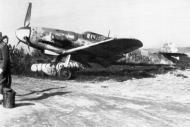 Asisbiz Messerschmitt Bf 109G6Trop FAF 2.HLeLv30 MT212 WNr 411728 Finland 1944 02