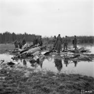 Asisbiz Soviet Bell P 39 Airacobra sd by HLeLv24 over Suulajarvi Finland 5th May 1944 01