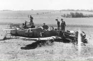 Asisbiz Messerschmitt Bf 109G6 9.JG1 Yellow 1 Heinrich Esser WNr 411471 force landed 1944 01