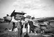Asisbiz Messerschmitt Bf 109G6 III.JG1 unknown aircraft undergoing maintenance 1943 01