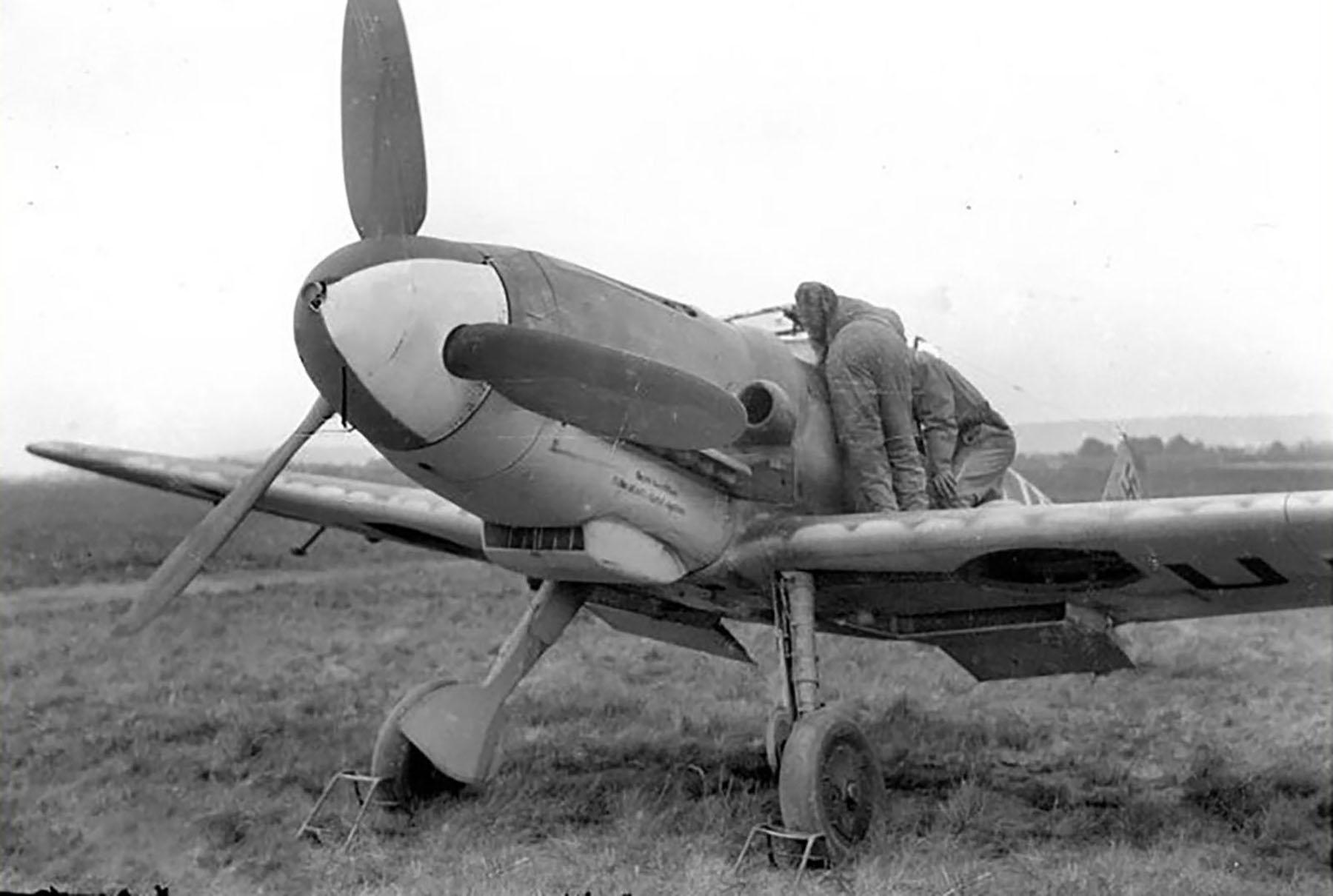 Messerschmitt-Bf-109G6-3.JG101-Yellow-6-