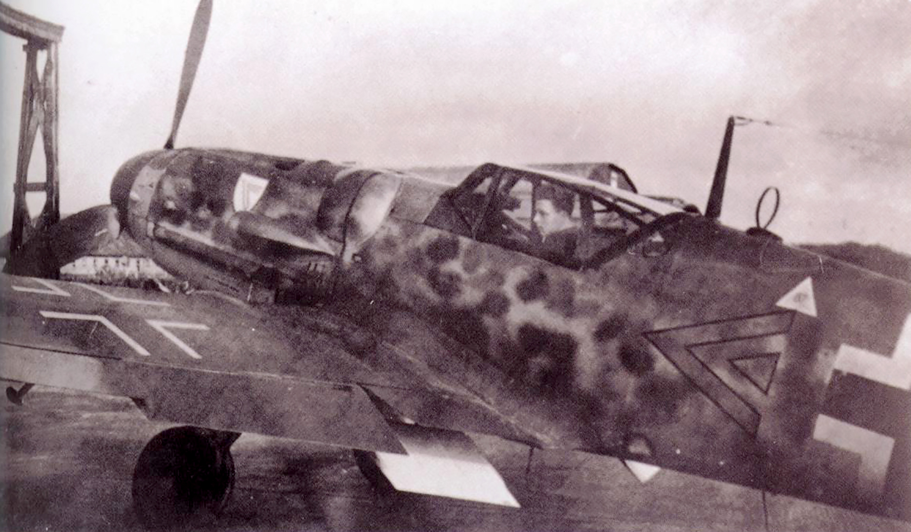 Messerschmitt Bf 109G6 Erla Stab II.JG3 Kurt Brandle WNr 26058 Schiphol Nov 1943 01