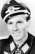 Asisbiz Aircrew Luftwaffe JG3 ace Oskar Romm 01