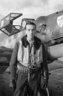 Asisbiz Aircrew Luftwaffe JG3 unknown pilot 01