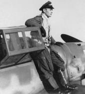 Asisbiz Aircrew Luftwaffe JG3 unknown pilot 02