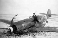 Asisbiz Messerschmitt Bf 109G14AS Erla 11.JG3 Black 1 Stfkpt Karl Heinz Willeke force landed Erndtebruck 01