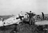 Asisbiz Messerschmitt Bf 109G6 11.JG3 Black 3 Stkz SI+UV WNr 18512 crashsite Foggia late 1943 01