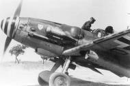 Asisbiz Messerschmitt Bf 109G6WTrop IV(Sturm).JG3 Franz Beyer Stkz RH+JD WNr 15762 San Severo 1943 03