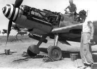 Asisbiz Messerschmitt Bf 109G6WTrop IV(Sturm).JG3 Franz Beyer Stkz RH+JD WNr 15762 San Severo 1943 06