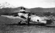 Asisbiz Messerschmitt Bf 109G10 Erla 3.JG300 Yellow 8 WNr 151562 Germany 1944 01