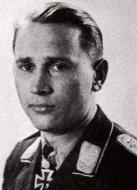 Asisbiz Aircrew Luftwaffe JG52 pilot and ace Alfred Grislawski 01