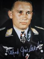 Asisbiz Aircrew Luftwaffe JG52 pilot and ace Alfred Grislawski 03