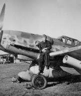 Asisbiz Messerschmitt Bf 109G10R3W 6.JG51 Neubiberg 1943 02