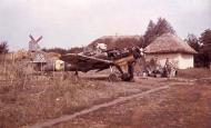 Asisbiz Messerschmitt Bf 109G6 1.JG52 under going engine repairs Kharkov Rogan Russia 1943 01