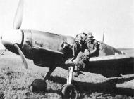 Asisbiz Messerschmitt Bf 109G6 JG52 Erich Hartmann Nove Zaporozhye Oct 1943 01